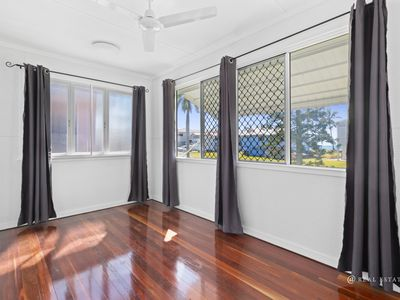93 Matthew Flinders Drive, Cooee Bay