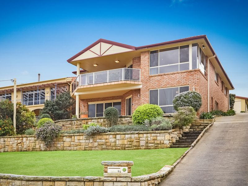 25 Jacqueline Avenue, Killcare Heights