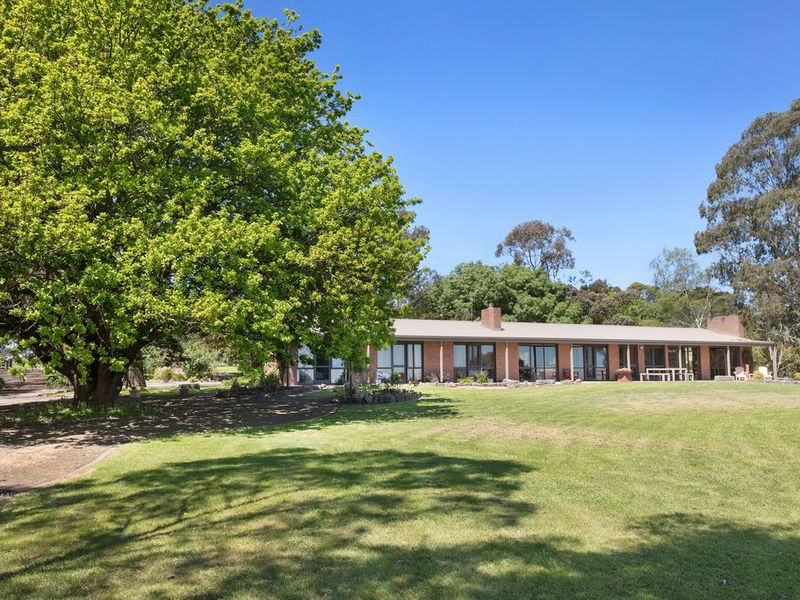 110 DRAPERS ROAD, Colac East