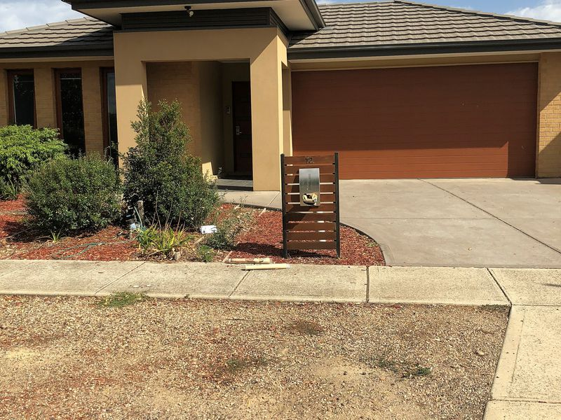 12 Australis Drive, Williams Landing