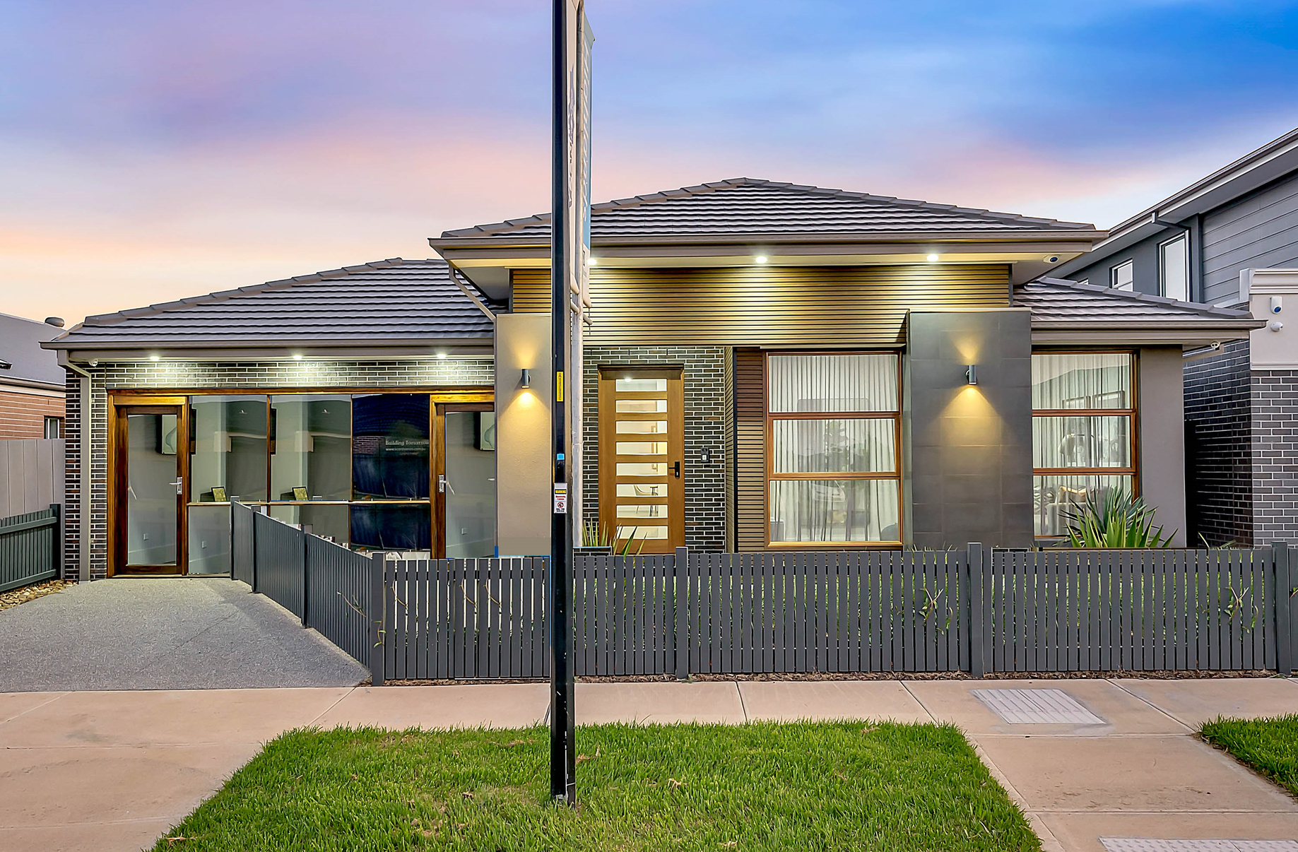 39 Whitfield Crescent, Craigieburn