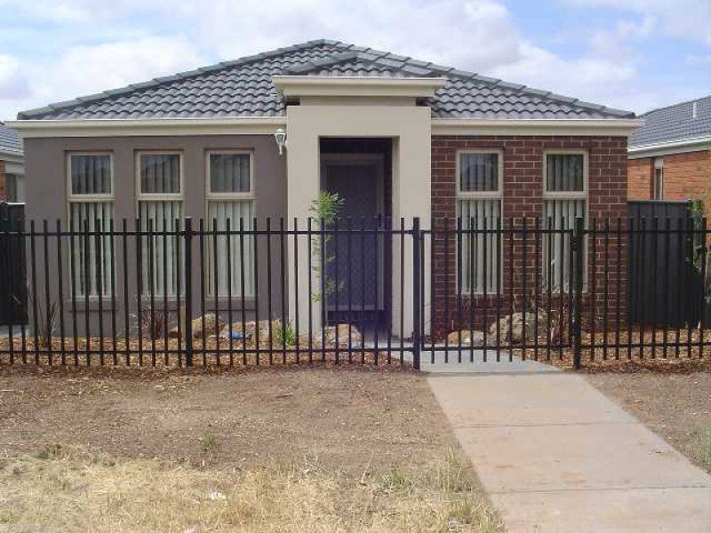 5 Secret Garden Way, Tarneit