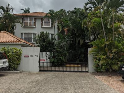 10 / 214 Sir Fred Schonell Drive, St Lucia