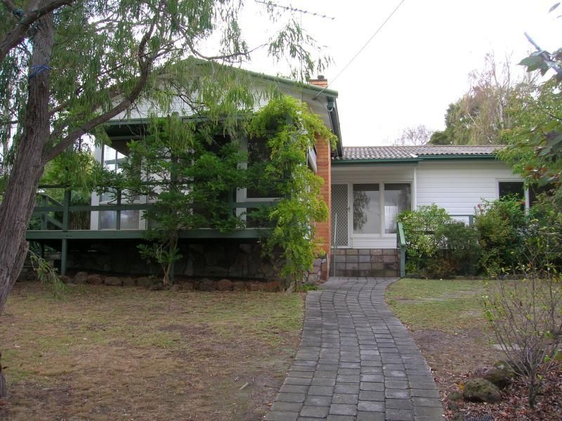 11 Chesterfield Court, Newtown