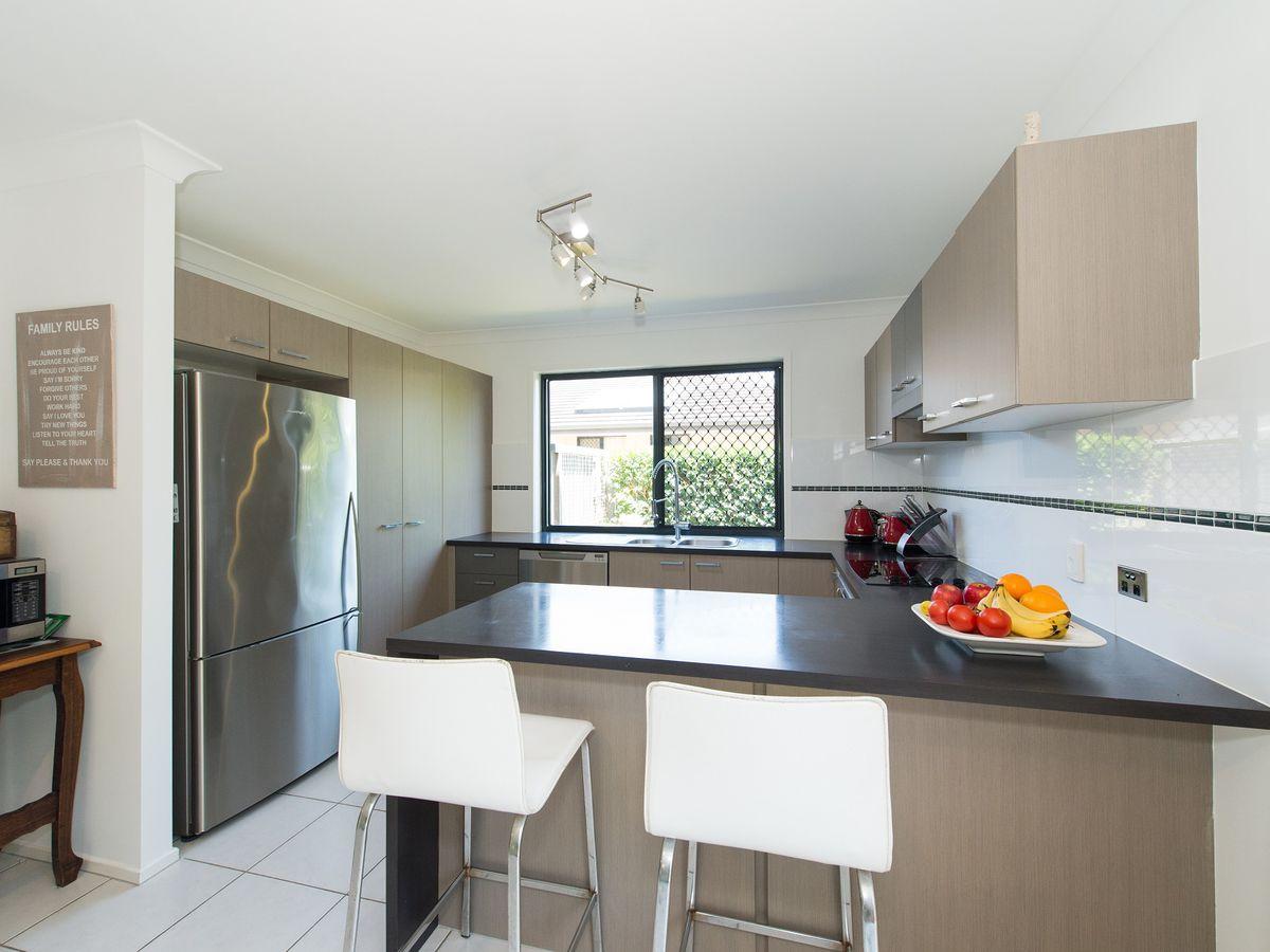 54 Azure Avenue, Redland Bay