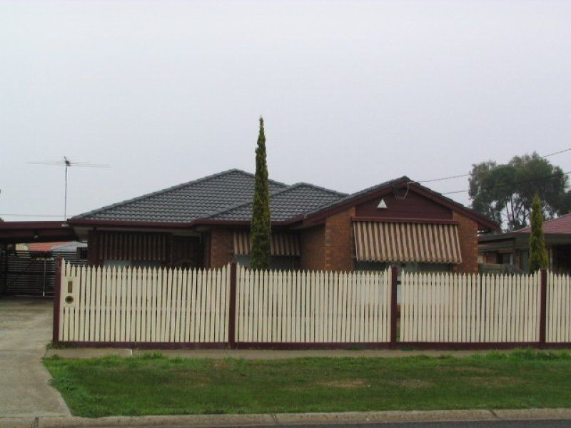 93 Rosella Avenue, Werribee