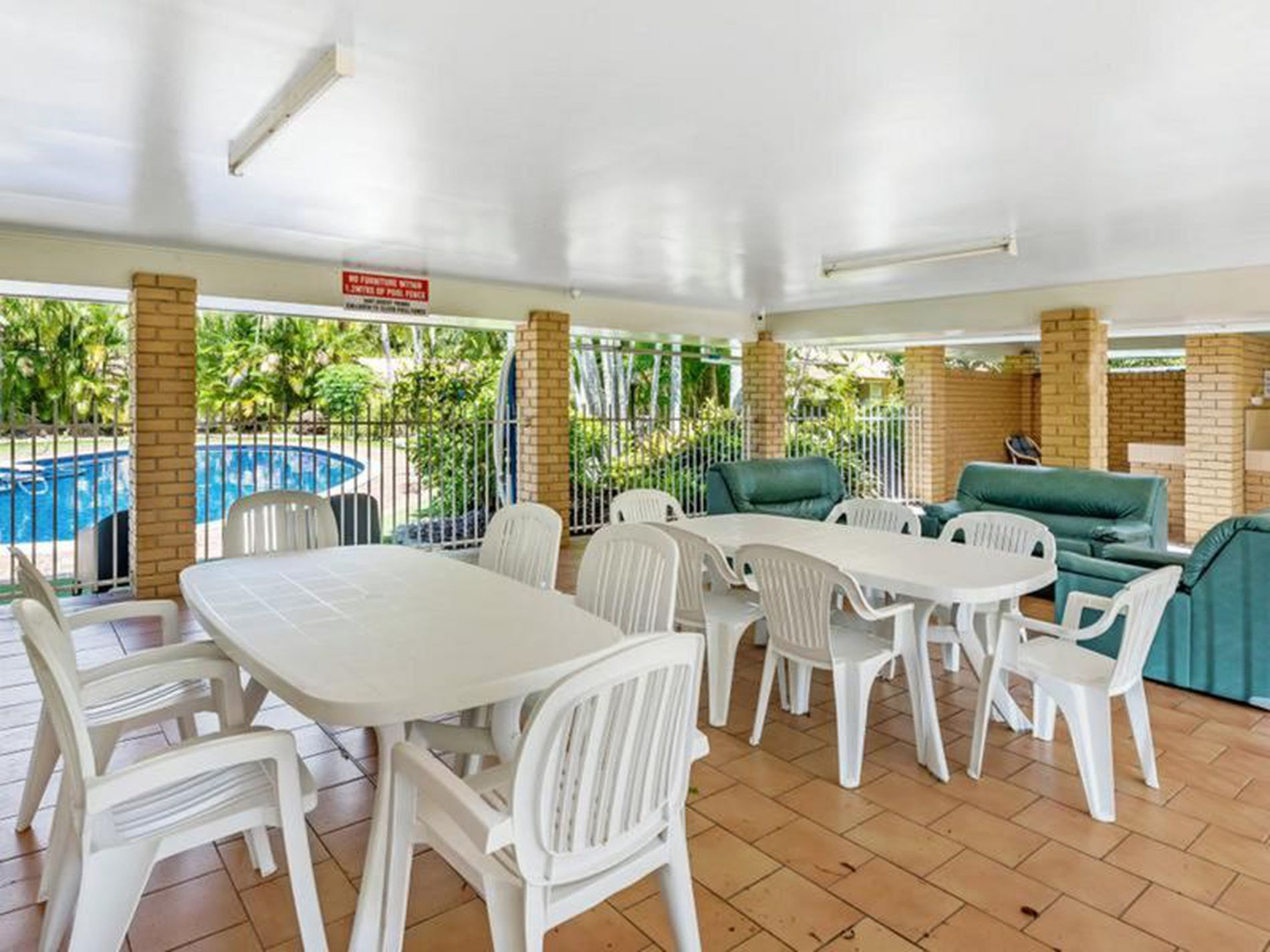 132 / 138 Hansford Road , Coombabah