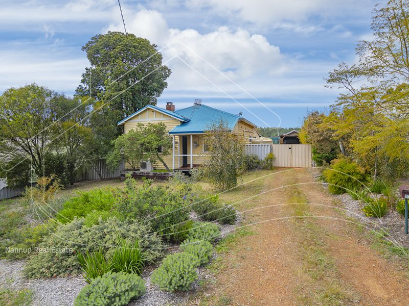 27 Dunnet Road, Nannup