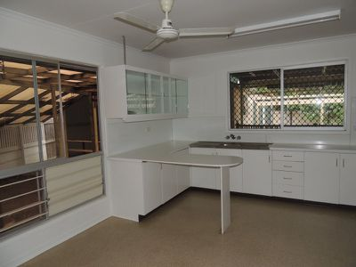 14 Cook Court, Moranbah
