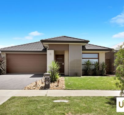 5 DAME AVENUE, Clyde North