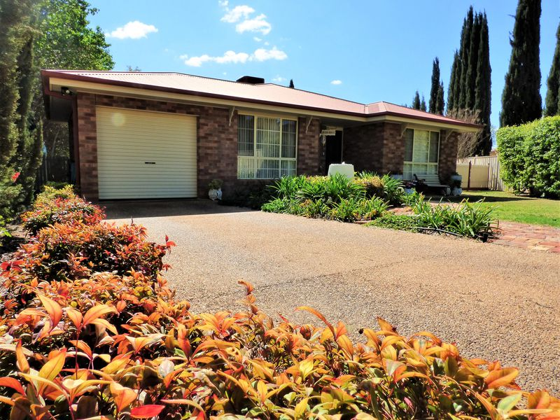39 Nelson Drive, Griffith