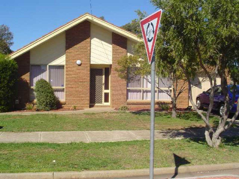 2 / 51 Pannam Drive, Hoppers Crossing