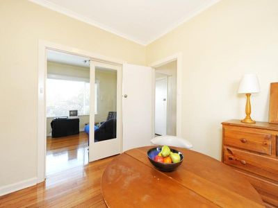 2 / 20 Chaucer Crescent, Canterbury
