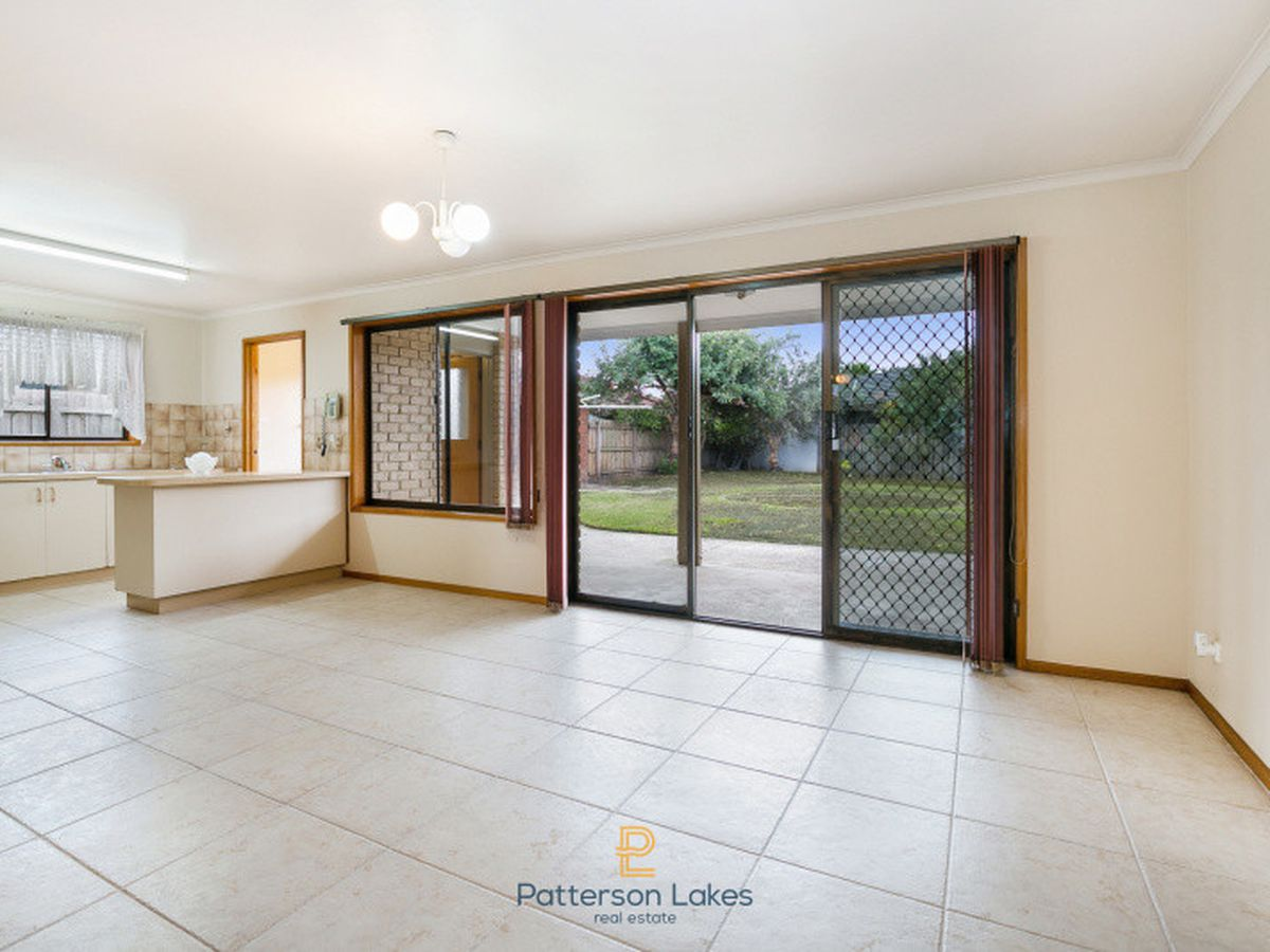 32 Palm Beach Drive, Patterson Lakes