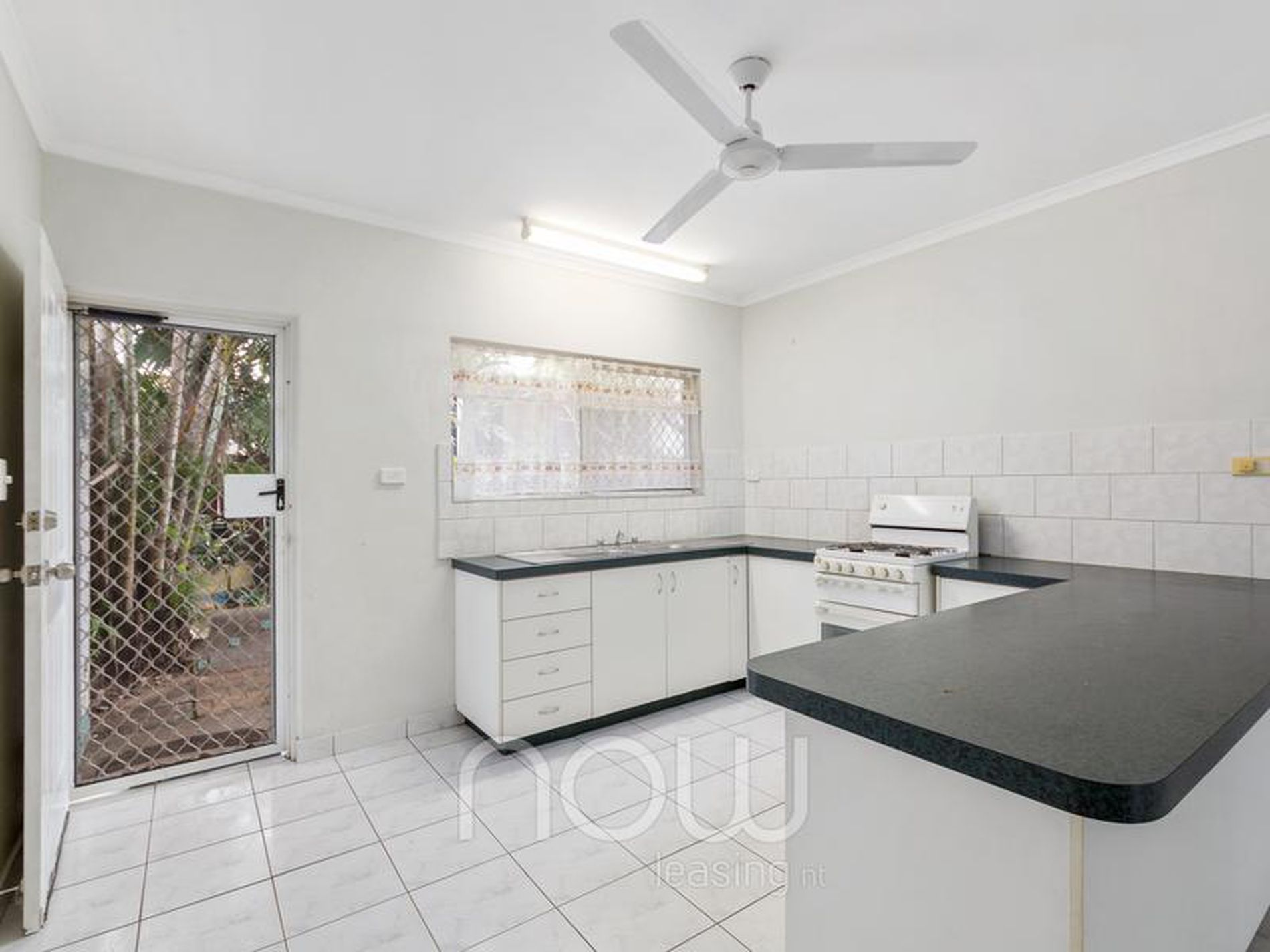 4 / 7 Hogan Court, Gray