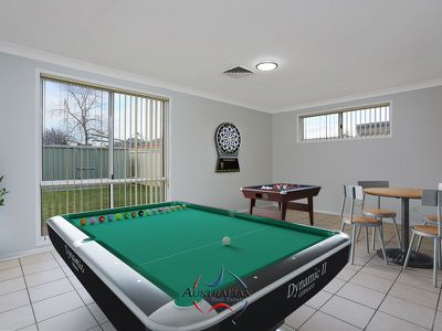 2 Hartwell Court, St Clair
