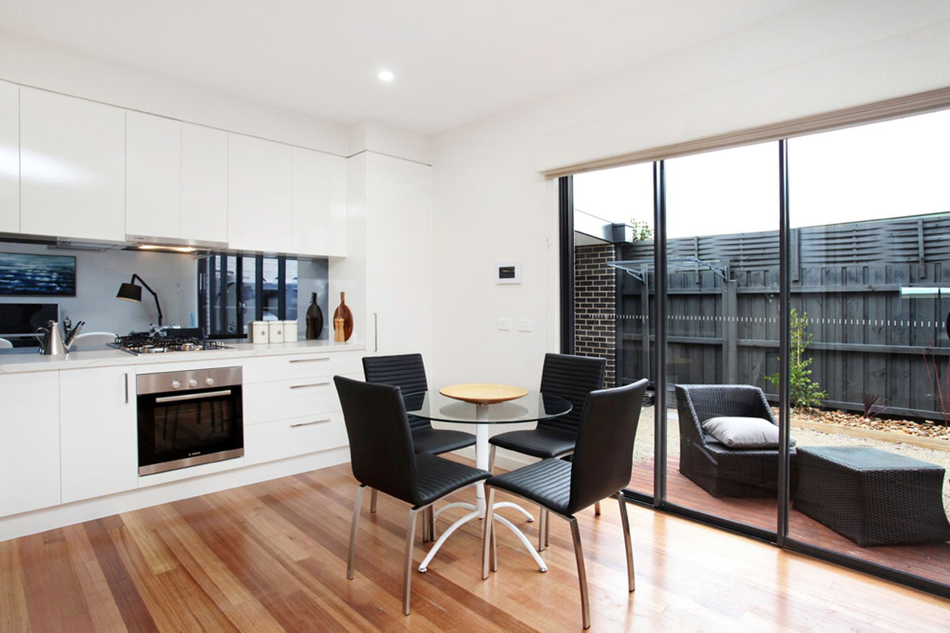 2 / 95 Marshall Road, Airport West