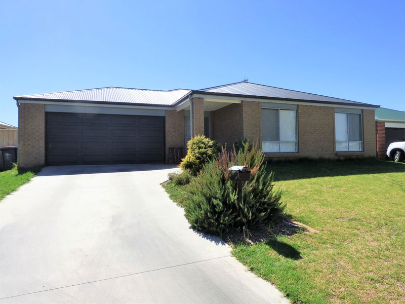 4 Little Road, Griffith