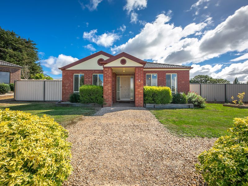 6 Boyd Court, Romsey