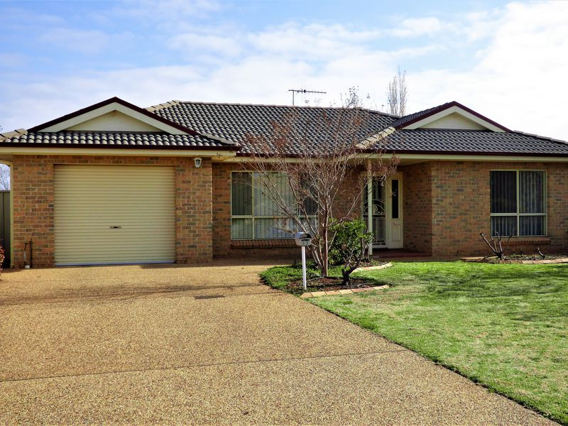 27 Dickson Road, Griffith