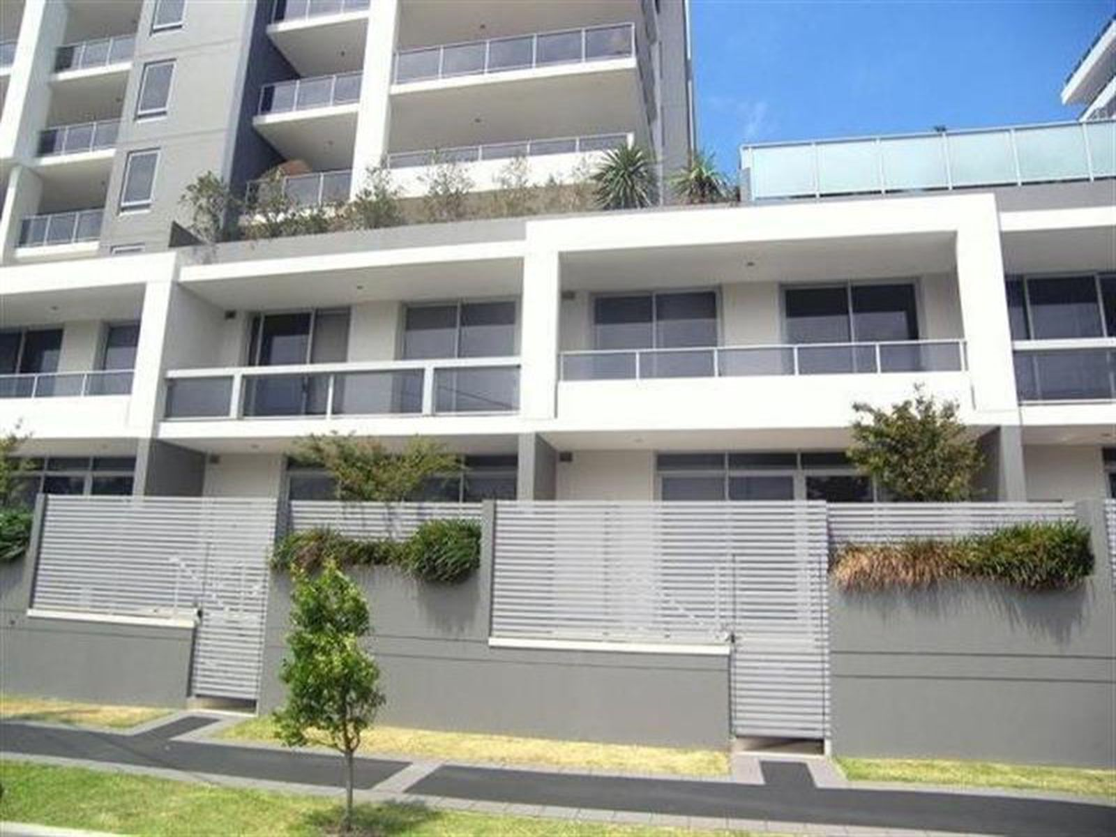 16 / 2-12 Young Street, Wollongong