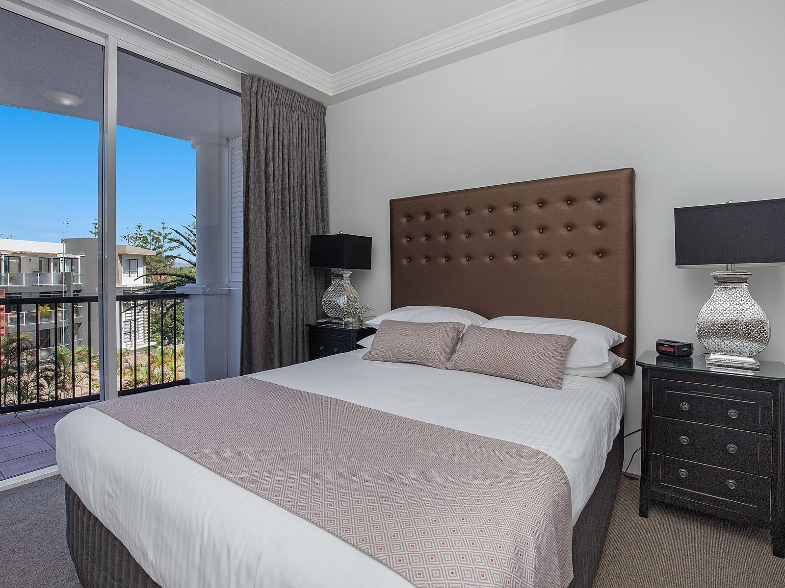 401 / 9-21 Beach Parade, Surfers Paradise