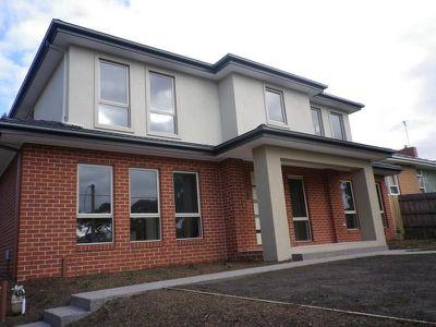 1 / 590 Waverley Road, Glen Waverley