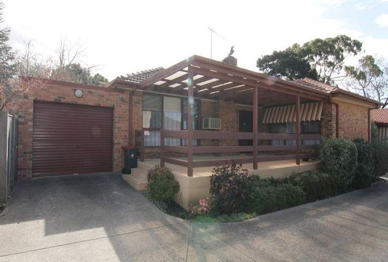 1 / 6 Angus Drive, Glen Waverley