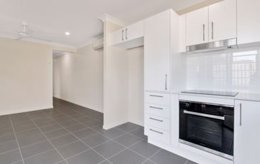 2 / 67 Miamax Place, Logan Reserve