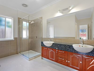 3 Peppers Avenue, Point Cook