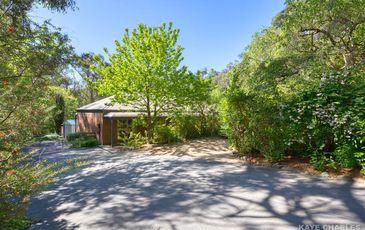 131 Beaconsfield-Emerald Road, Beaconsfield Upper