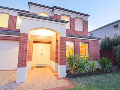 13 Kingsway Gardens, Canning Vale