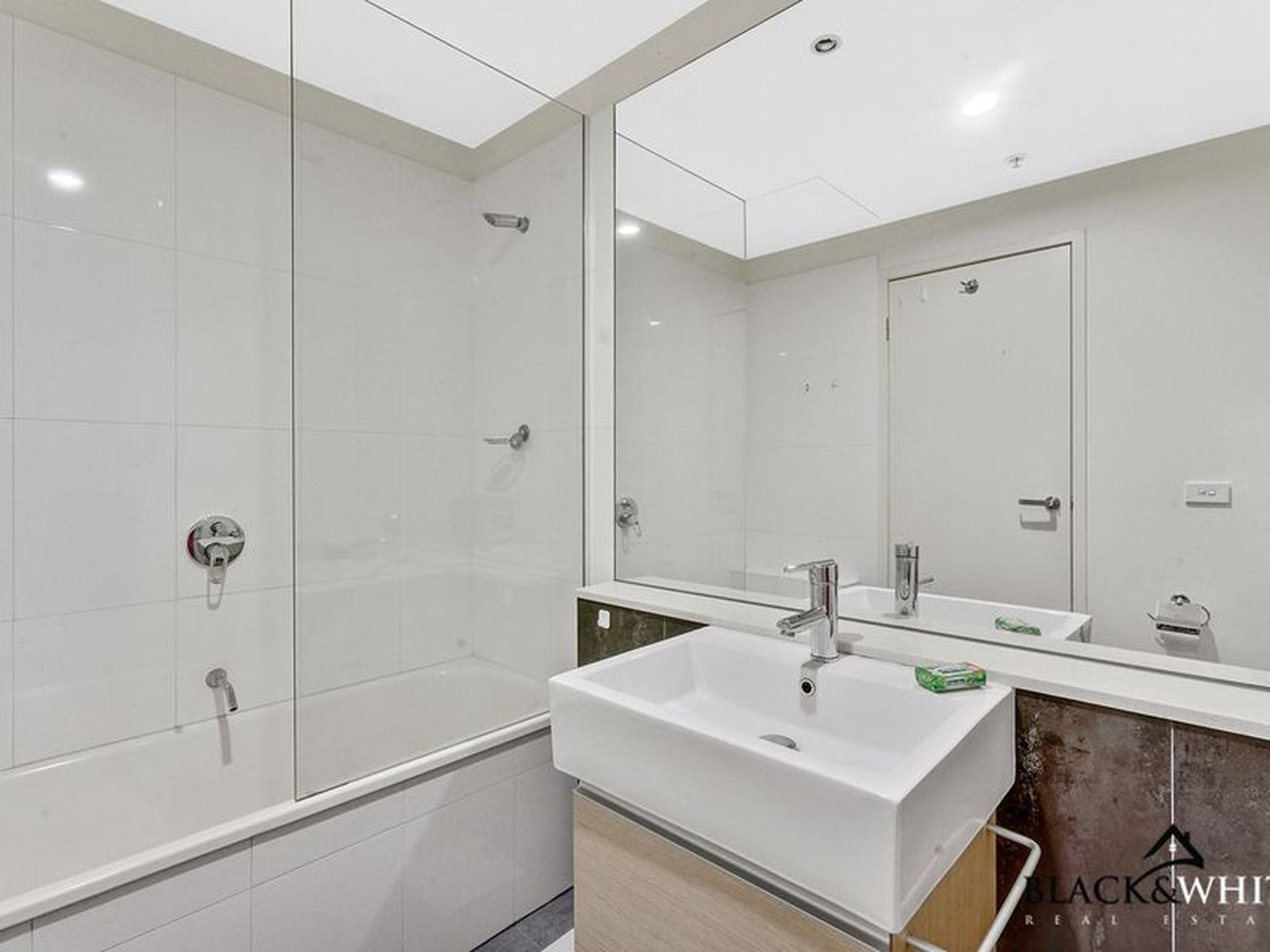 105 / 216 Rouse Street, Port Melbourne