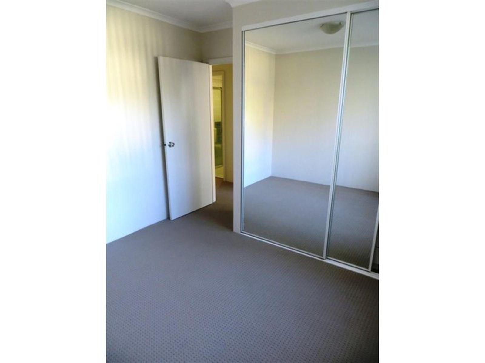 5 / 2 Pleasant Avenue, Wollongong
