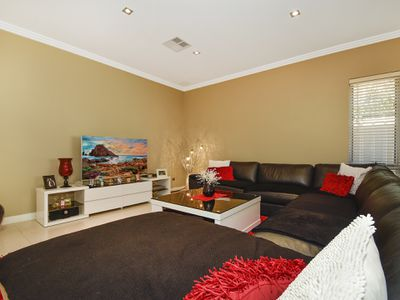 34A Lingfield Way, Morley