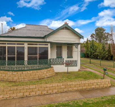 42 Hill Street, Molong