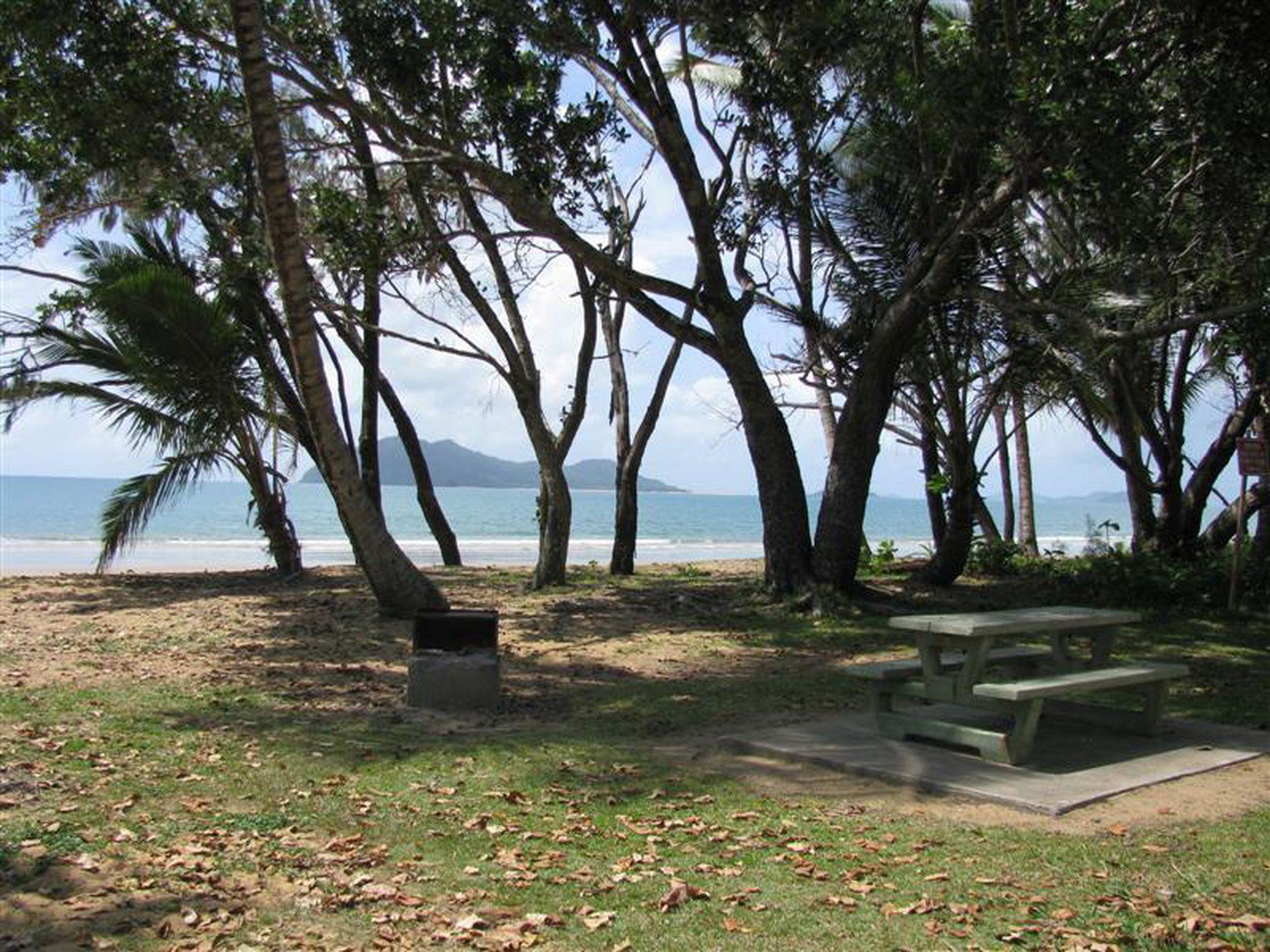 2 / 16 Wongaling Beach Road, Wongaling Beach
