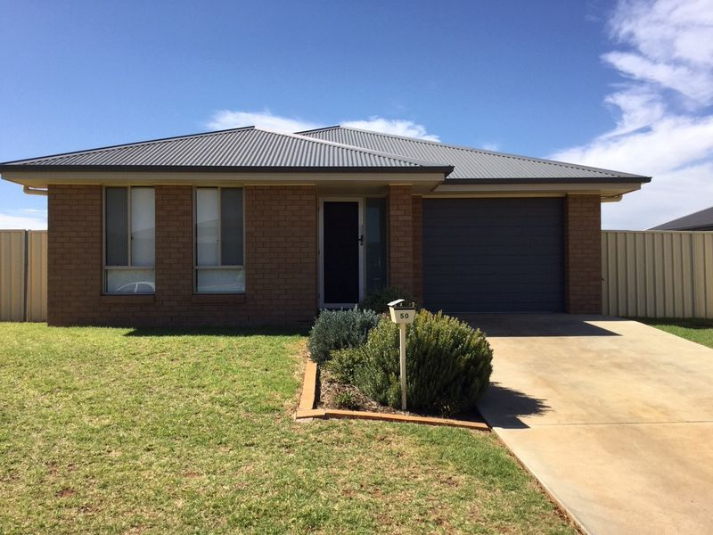 50 Madden Drive, Griffith