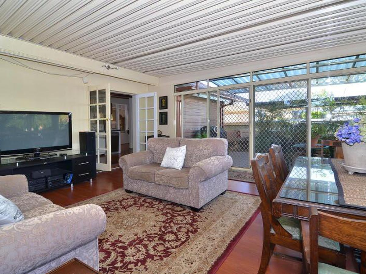 956 WAUGH ROAD, North Albury