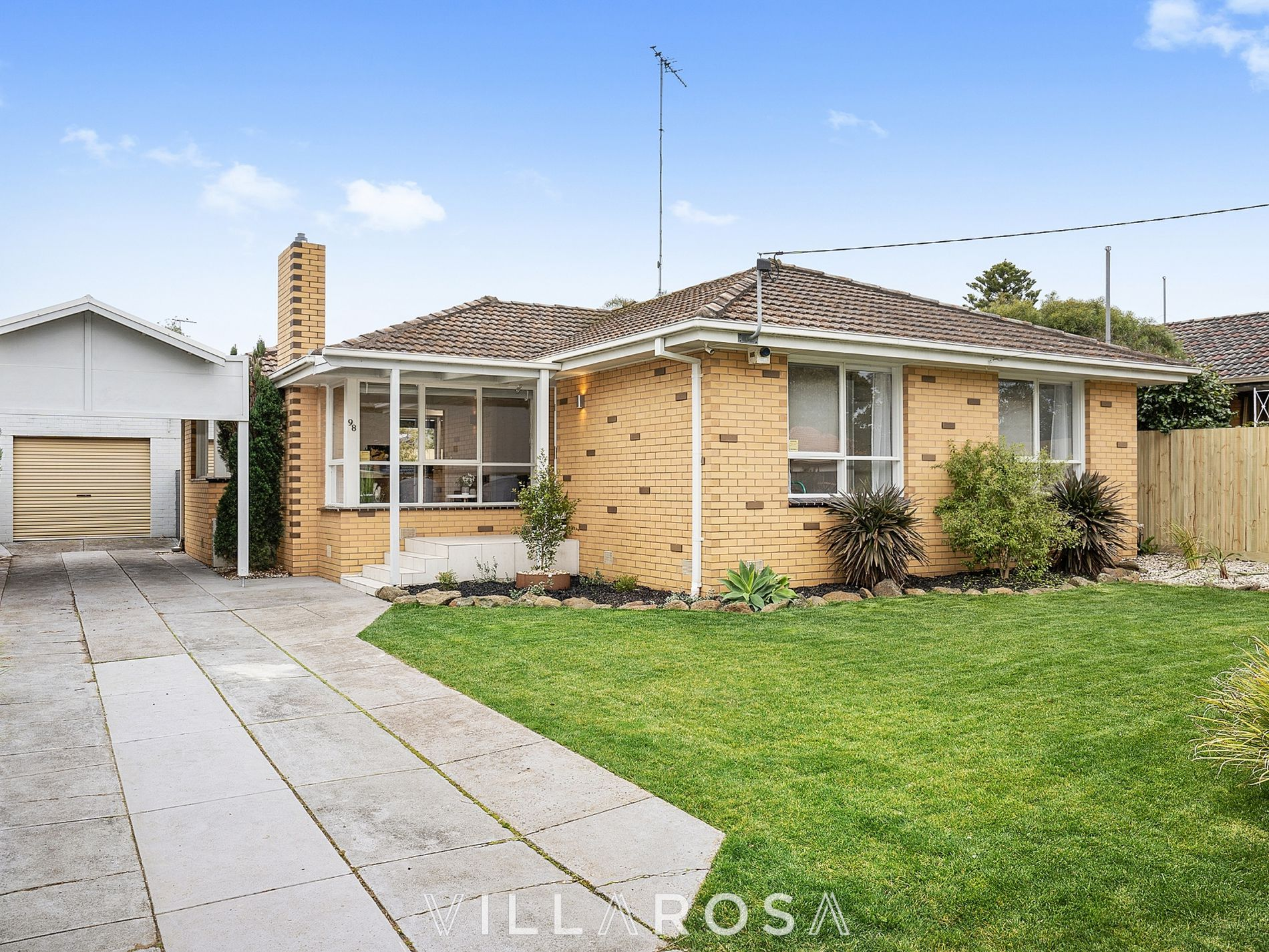 98 Apex Avenue, Belmont