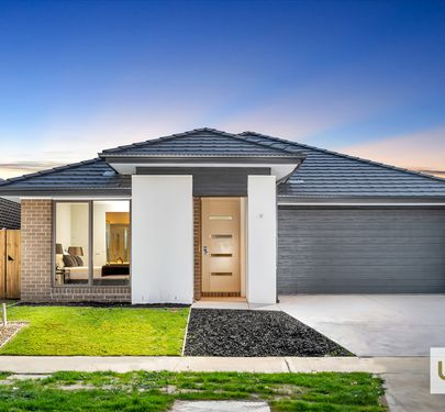 11 SHULZE DRIVE, Clyde North