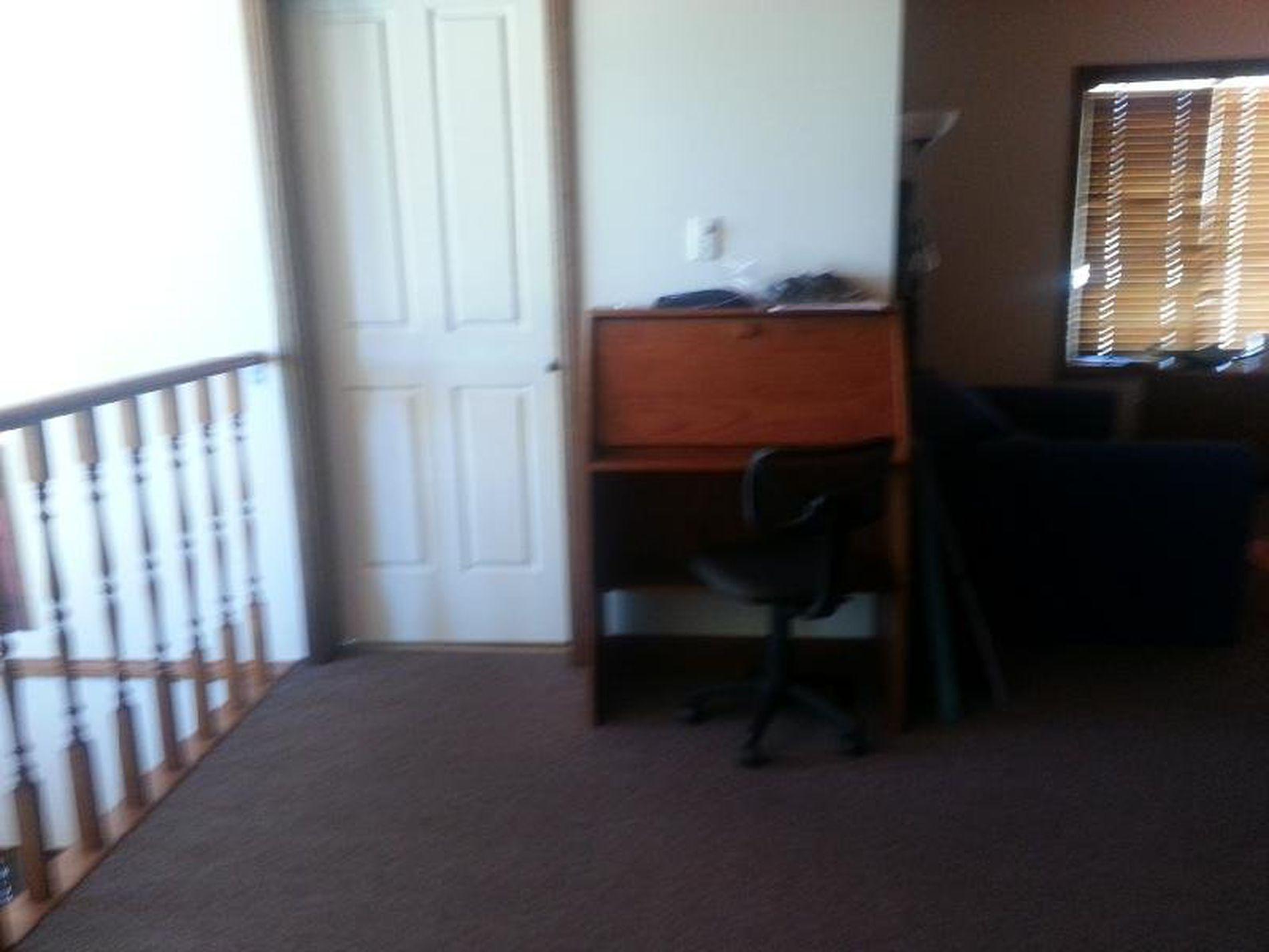 Room 5 / 9 Jardine Street, Fairy Meadow