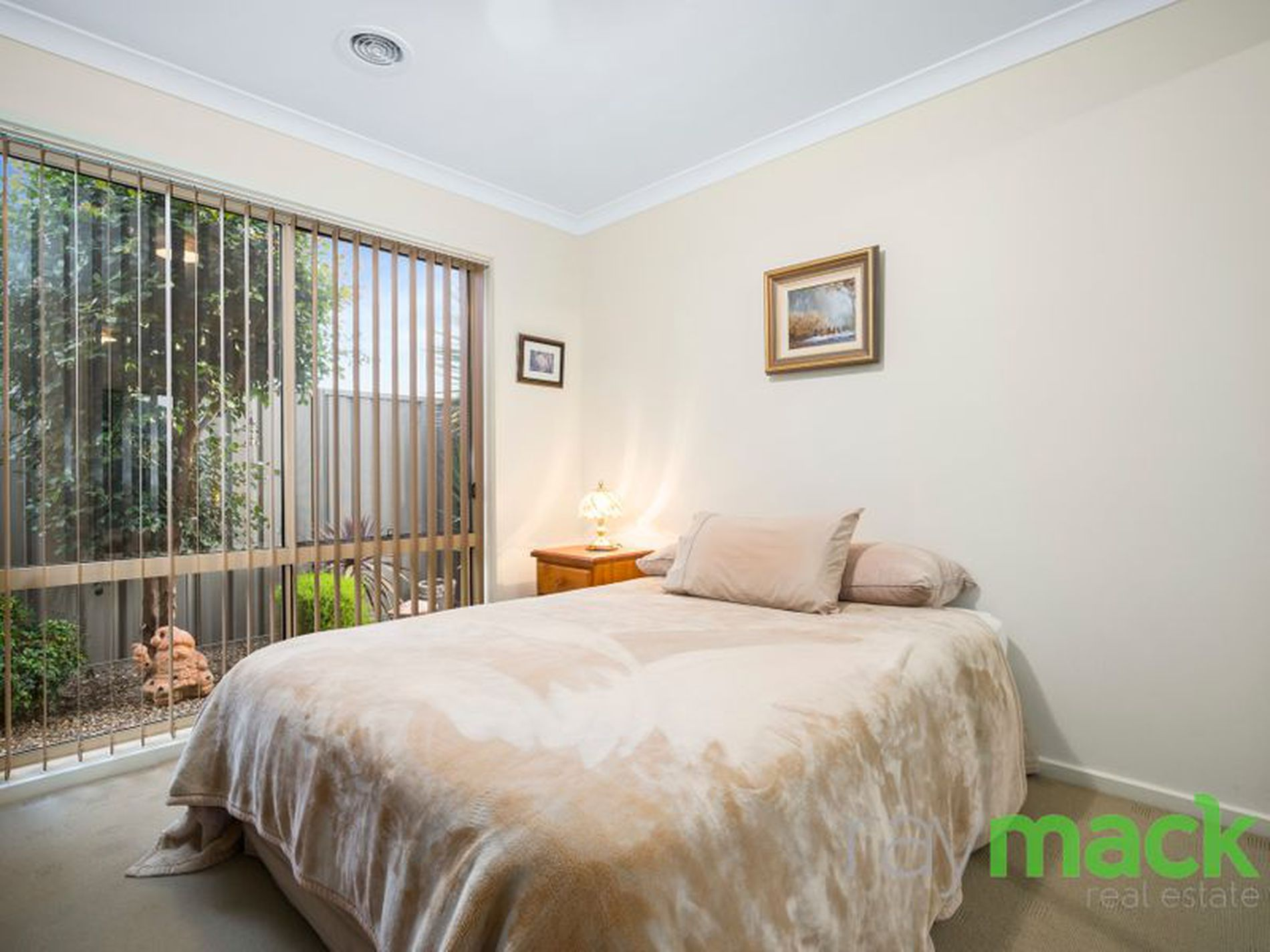 4 Stanford Court, Thurgoona