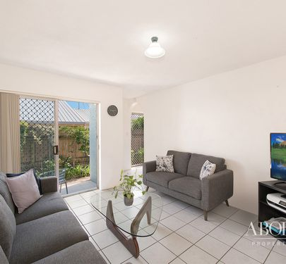 2 / 115 Prince Edward Parade, Scarborough