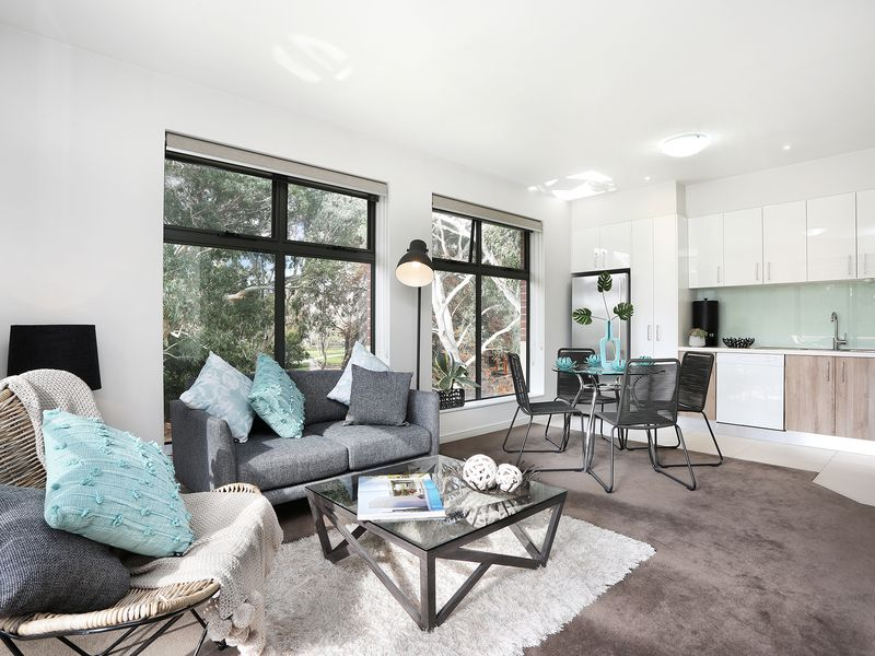 212 / 1072 Burke Road , Balwyn North