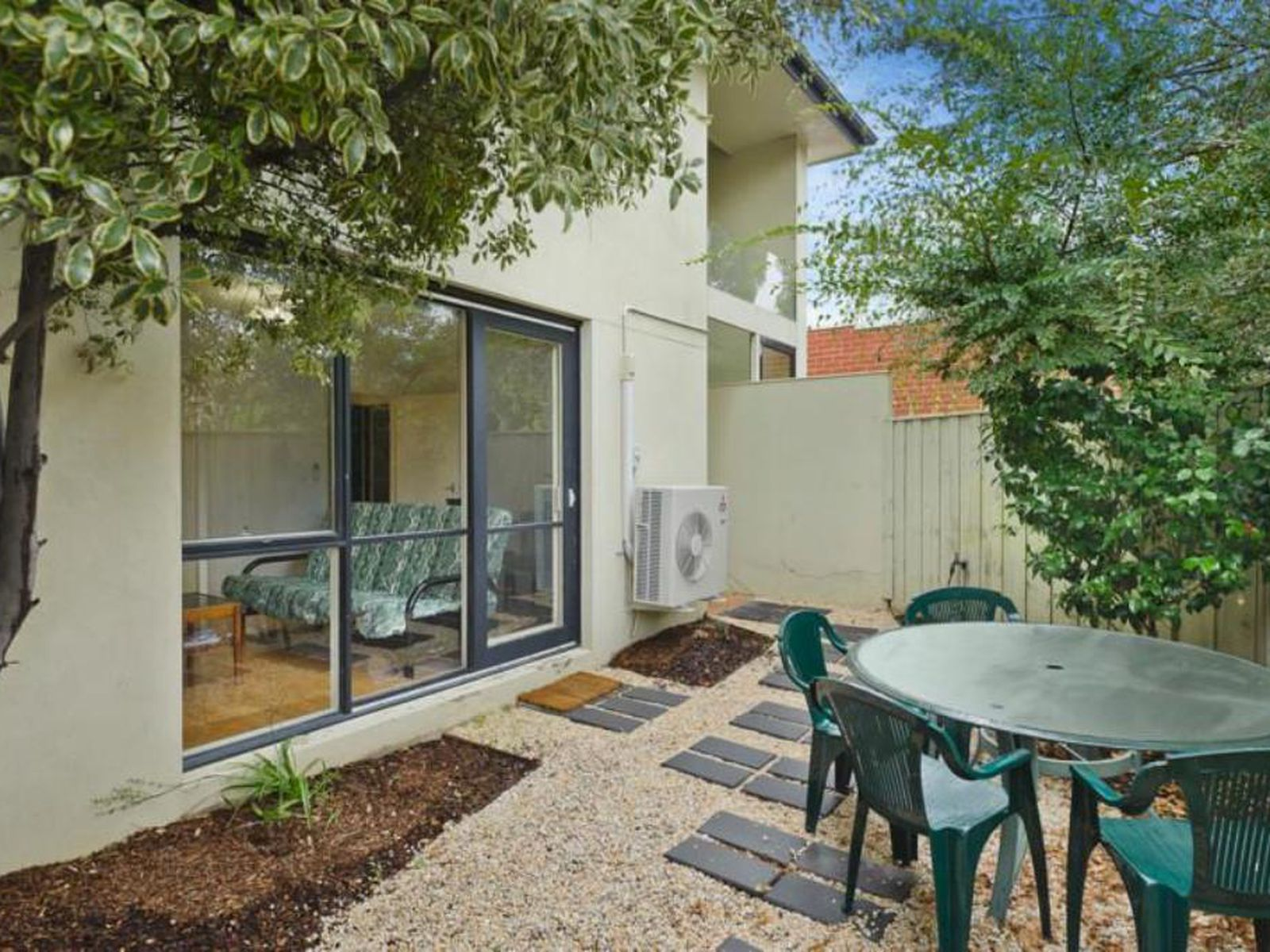 1 / 14 Westbrook Street, Kew East