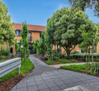 2 / 7-9 Grice Crescent, Essendon