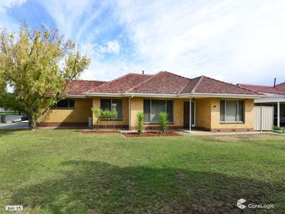 15 Mead Crescent, Melrose Park