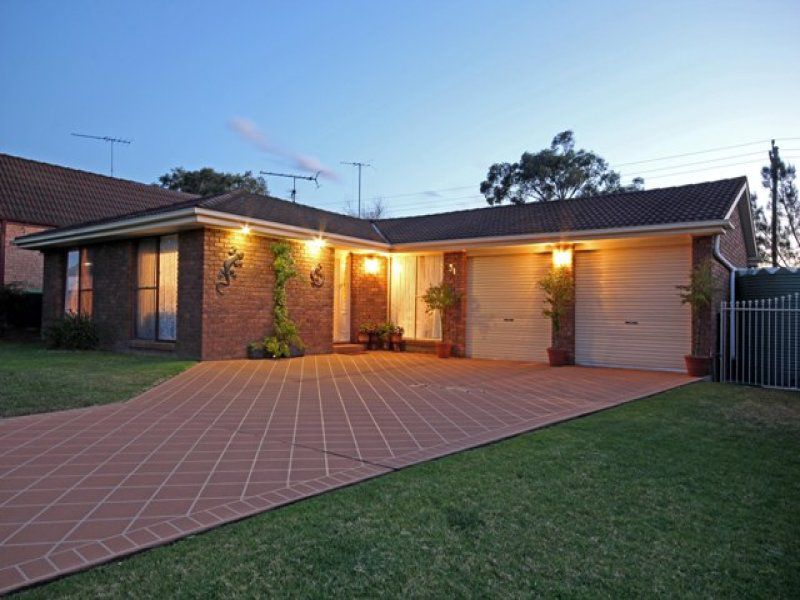 31 Horseshoe Circuit, St Clair