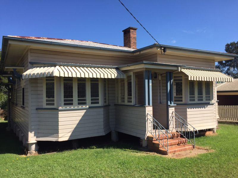 27 Loudon Street, South Toowoomba